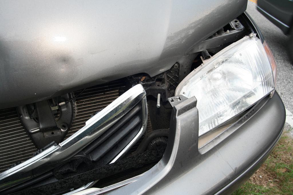 Driving- Auto accident- 361089269_62a1dea843_b